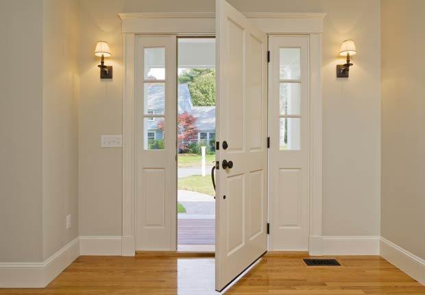Luces en la entrada de su casa, 10 consejos para prevenir accidentes en el hogar
