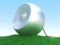 Un altavoz sobre una grama verde - 3 Consejos para elegir e instalar altavoces en su casa
