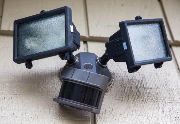 Luz de seguridad, 10 artefactos para maximizar la seguridad en el hogar