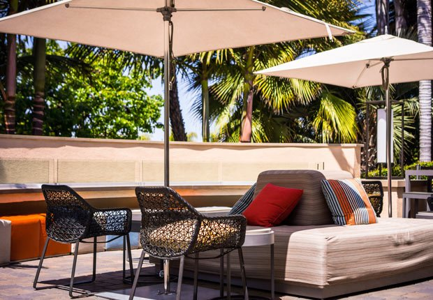 Muebles para el patio de su casa - Arregle el espacio exterior de su casa