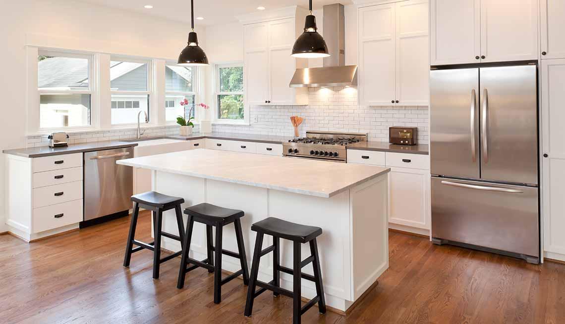 Claves para reflejar el estilo minimalista en tu hogar - Mezón de cocina