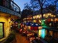Los 10 mejores lugares para vivir por menos de $ 100 al día - Disfrute de los restaurantes a lo largo del River Walk en San Antonio, TX