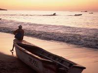 Puesta de sol en una playa de Costa Rica - 5 paraísos donde jubilarse en el 2013