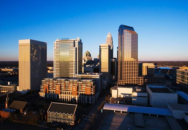 Charlotte, Carolina del Norte 10 ciudades estadounidenses ricas en cultura hispana.
