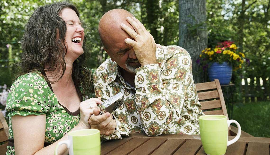 10 maneras de usar el humor y la risa en el cuidado de otros