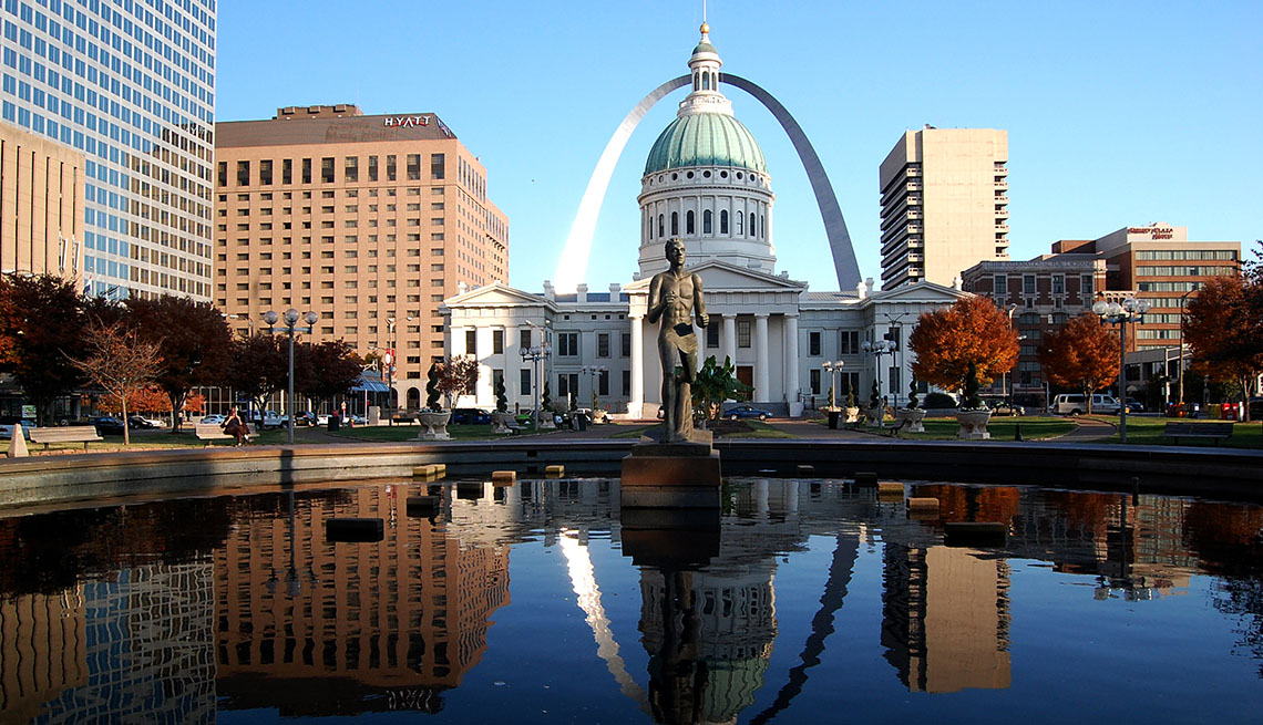 View Of Downtown St Louis Missouri, US Cities Rich In Hispanic Culture