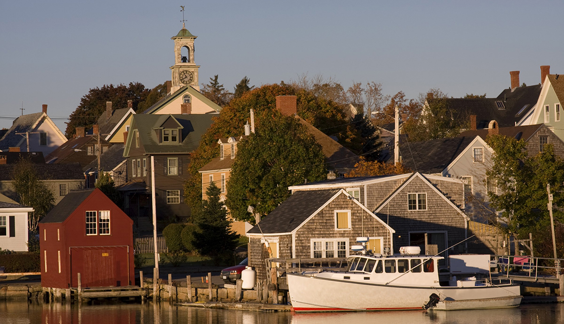 Best Places to Live and Retire In Small Towns