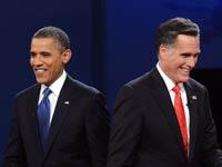 El presidente Barack Obama (izq) y el candidato presidencial republicano Mitt Romney, tras un debate en Denver, Colorado.