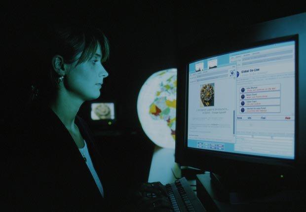 La invención de la Internet en la década de 1990 revolucionó la forma de utilizar las computadoras.