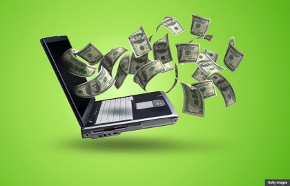 Vuelo del dinero desde una pantalla de un computador - ¿Cómo hacer dinero con los viejos Gadgets electrónicos?