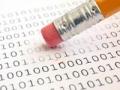 Lápiz borrado un papel de unos y ceros, 10 pasos para borrar tu huella en el internet