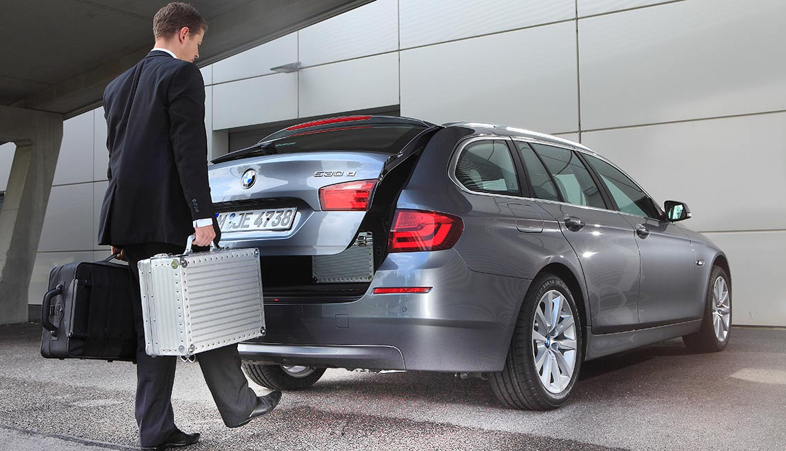 Latest high tech car features -Hands-Free Trunk/Liftgate Release