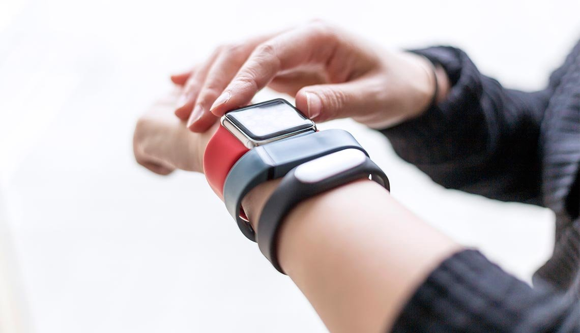 10 Things to Look for in a Fitness Tracker
