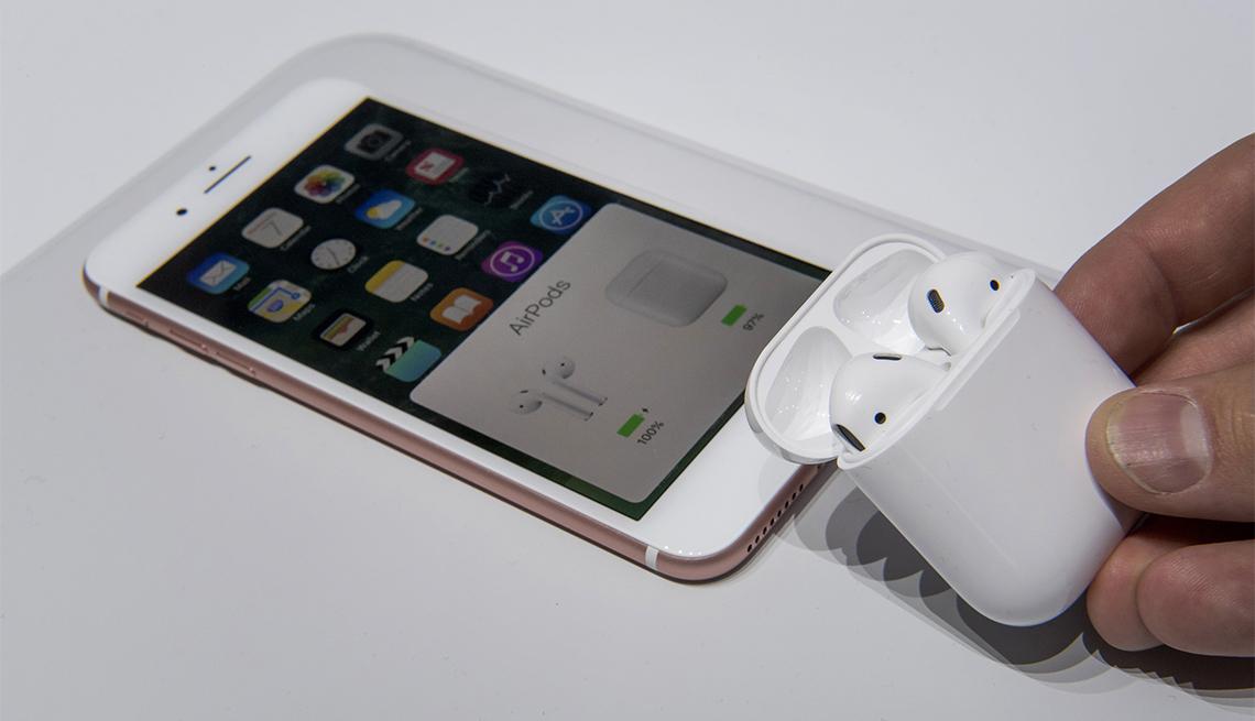 Hello, iPhone 7. Goodbye, Headphone Jack