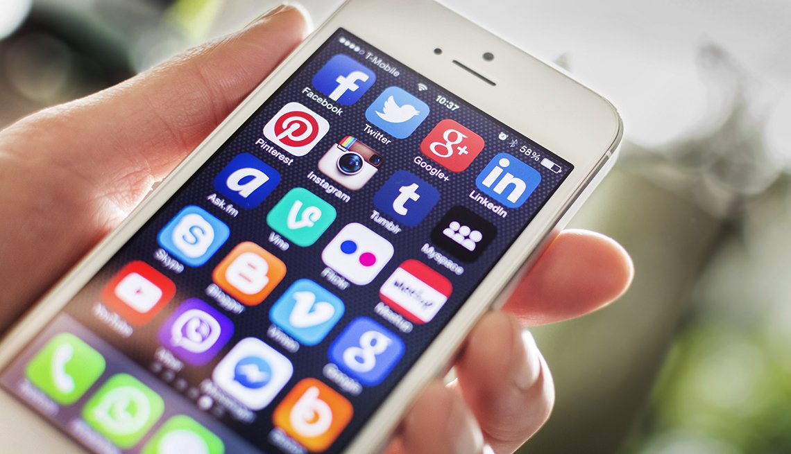 Smartphone Users Moving to Apps
