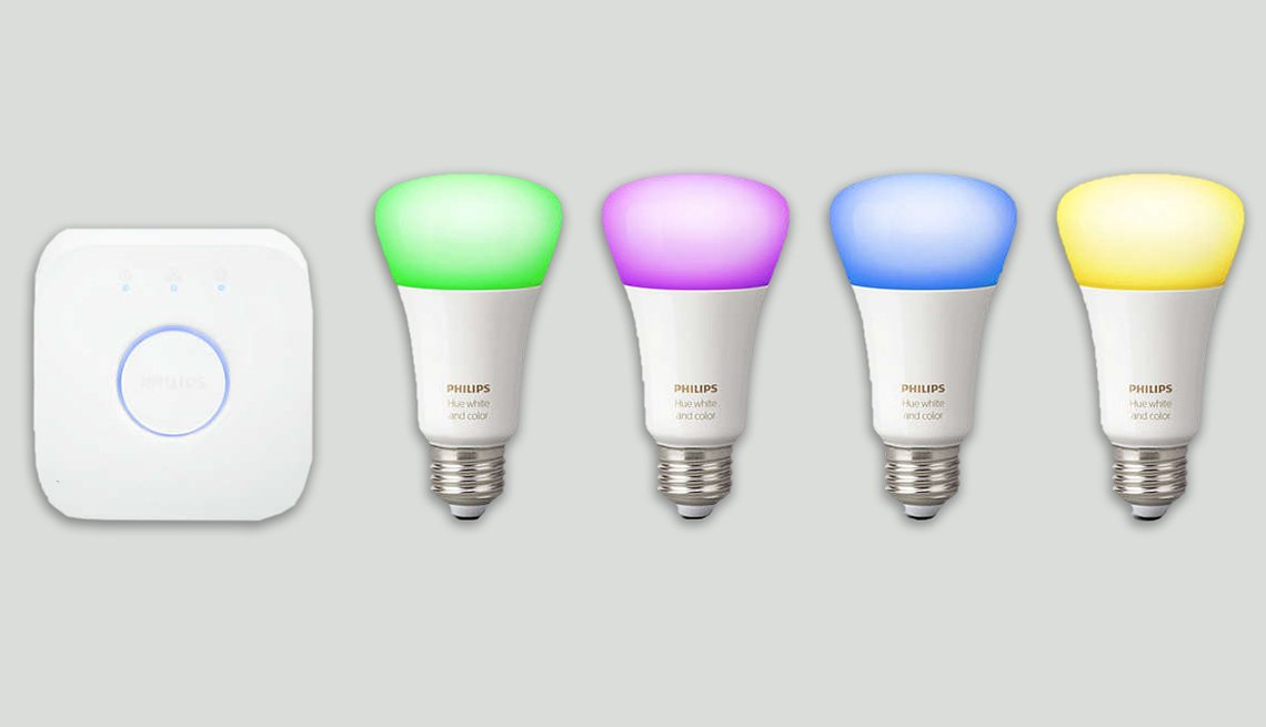 item 3 of Gallery image - Mejores regalos tecnológicos - Philips Hue White y Color Ambiance A19 LED Starter Kit