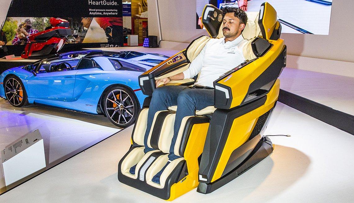 item 8, Gallery image. Silla masajeadora Lamborghini LBF-750.