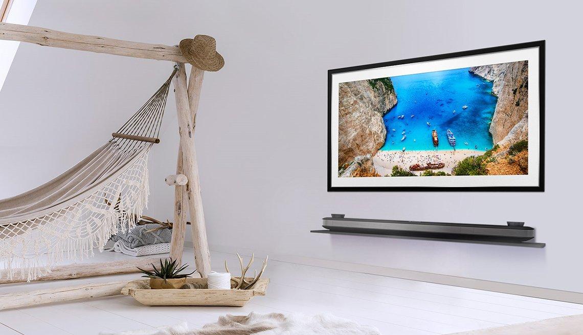 LG flatscreen tv W9 Series
