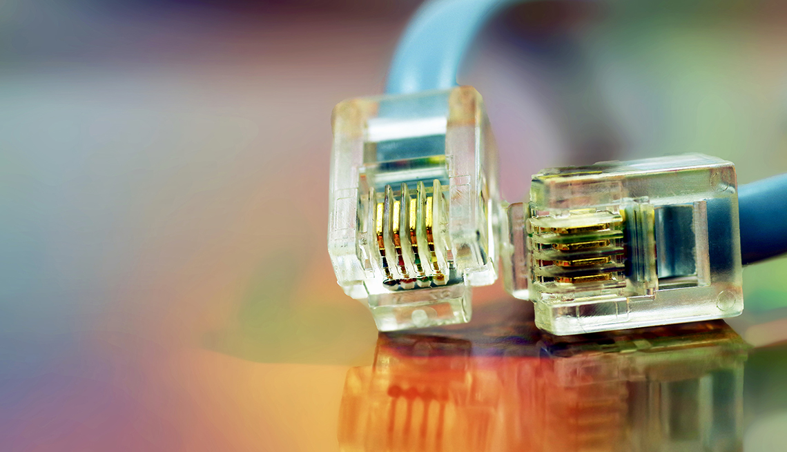 Cable ethernet sobre fondo holográfico