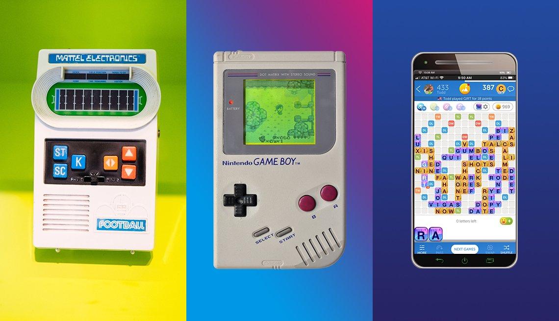 De izquierda a derecha un juego de fútbol portátil de los setenta un game boy de nintendo de los ochenta y un teléfono móvil actual