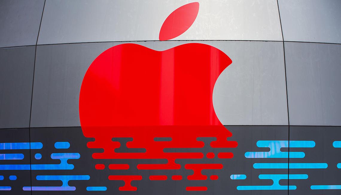 Logo de la marca Apple en una Tienda Apple