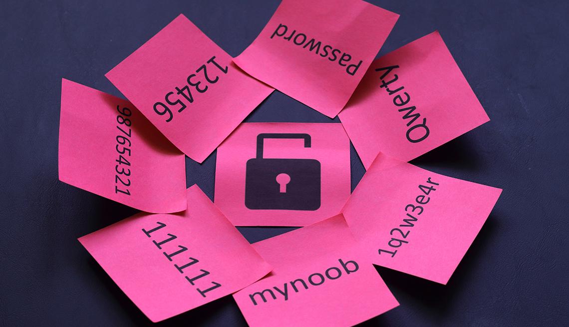 Ilustración de un candado roto está rodeada de contraseñas escritas en notas adhesivas