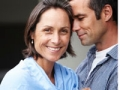 Retrato de pareja abrazándose. El sexo después de los 50 puede ser mejor.