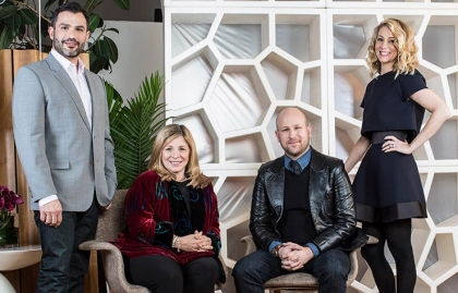 Los expertos del programa Married at First Sight: El Dr. Joseph Cilona, la Dra. Pepper Schwartz, Greg Epstein y el Dr. Logan Levkoff