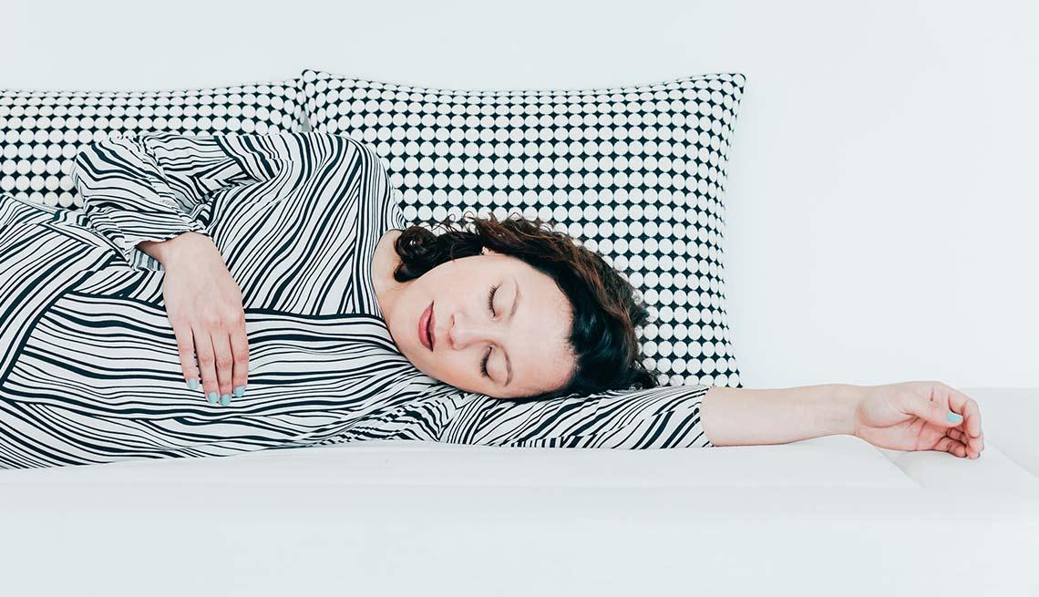 Mujer durmiendo - Mi mejor secreto de belleza: dormir