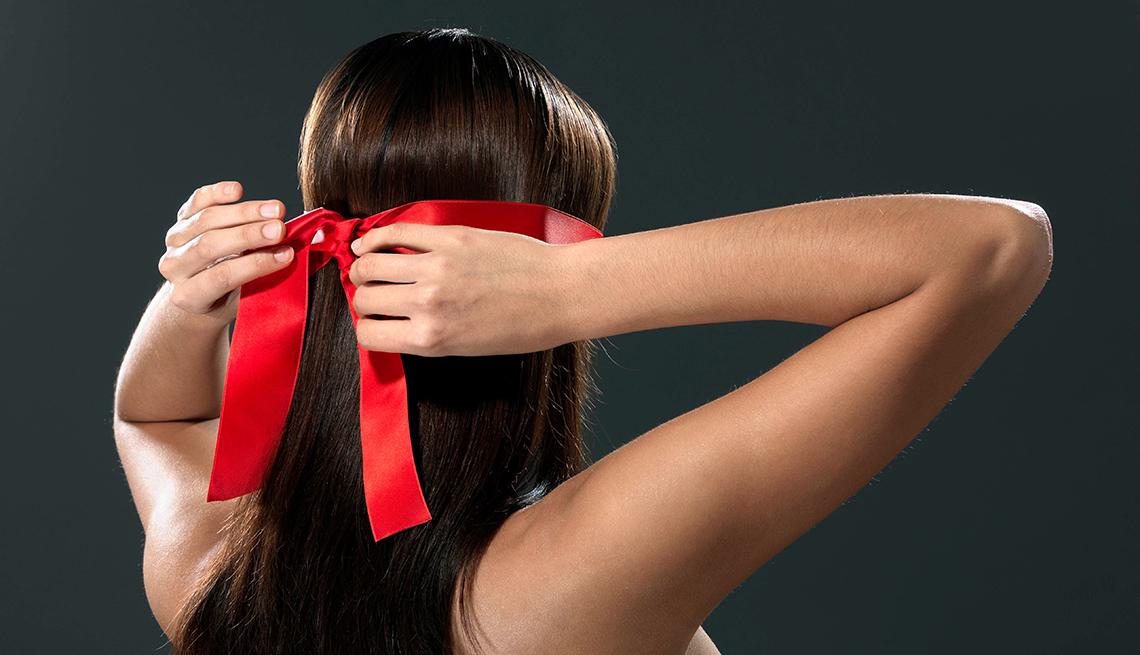 Cubrirse los ojos: un juego sexual y clásico