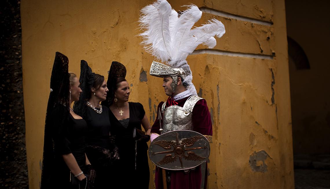 item 13 of Gallery image - Spain Holy Week, Semana Santa, una tradición de fe