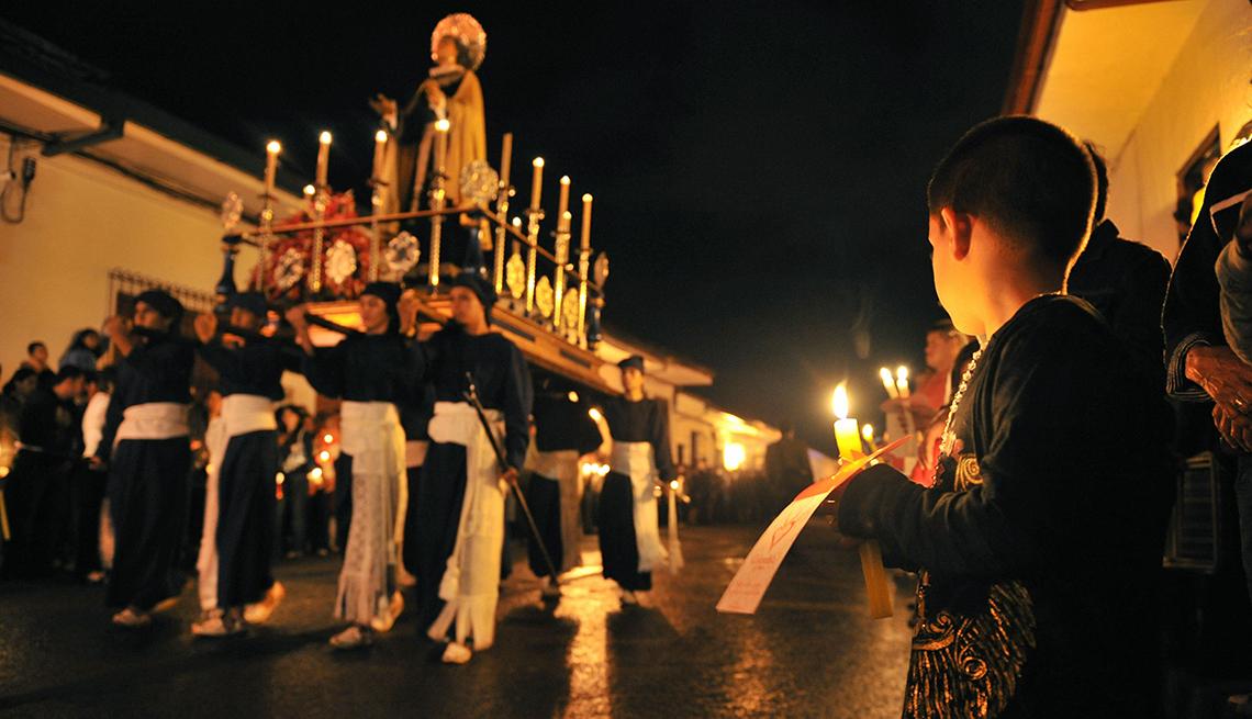 item 9 of Gallery image - Boy Procession Night, Semana Santa, una tradición de fe