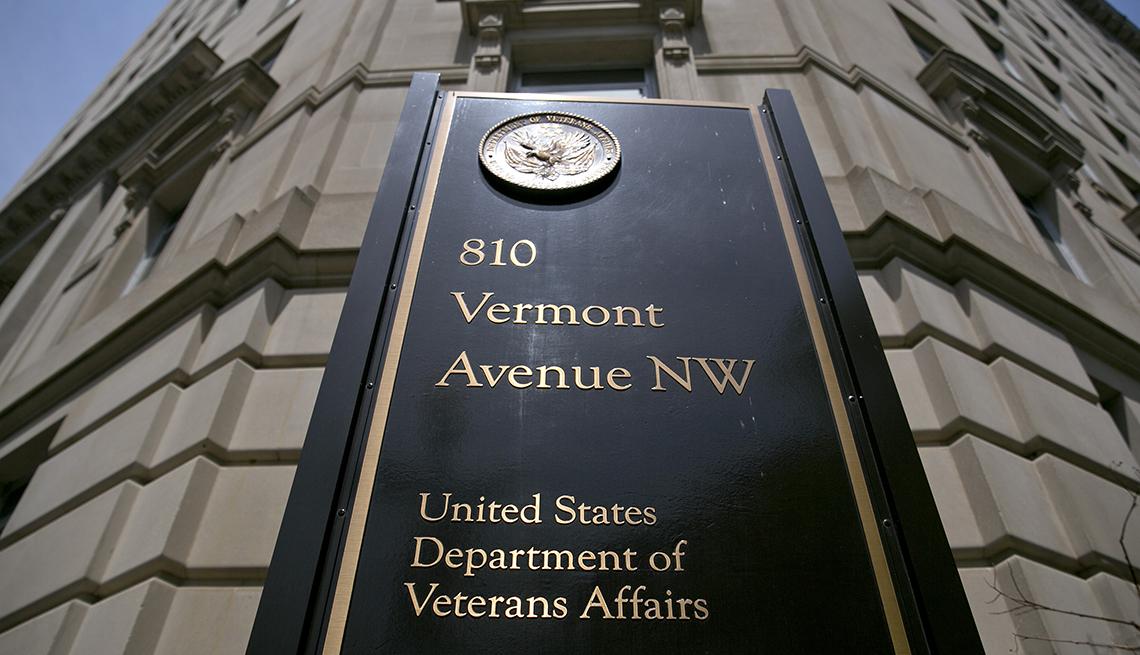Fachada del edificio del Departamento de Asuntos de Veteranos (VA)