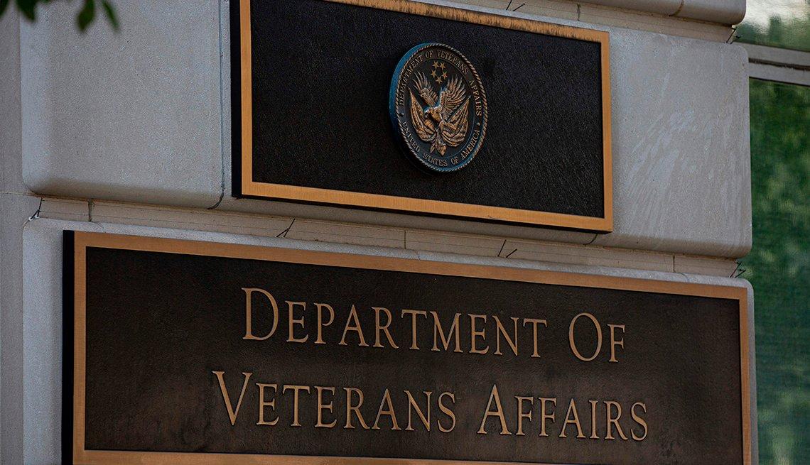 Letrero del edificio del Departamento de Asuntos de Veteranos