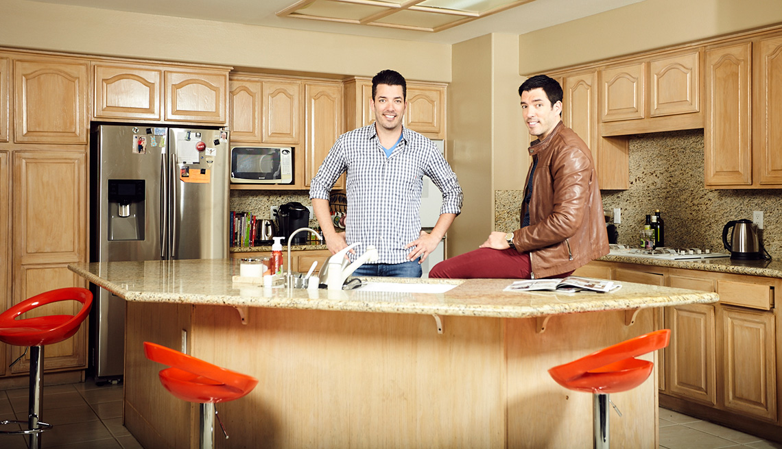 Charmant Drew And Jonathan Scott In The Bulgatz Family Kitchen  Before