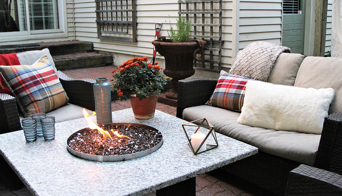 Gas fire pit and outdoor decor