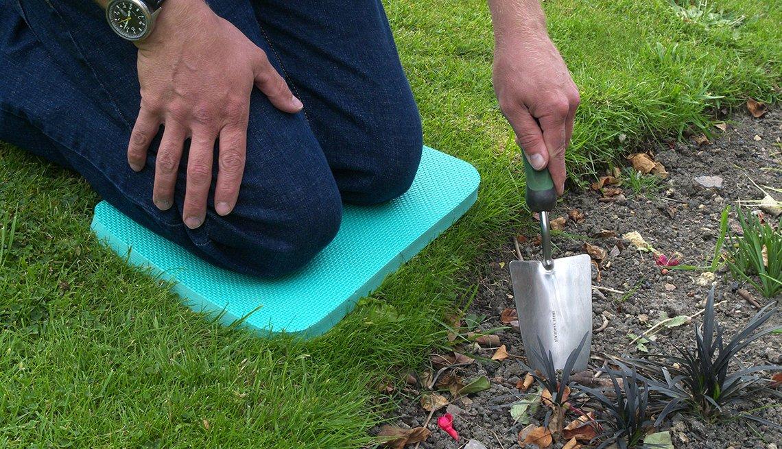 item 4 of Gallery image - Kneeling pad in garden