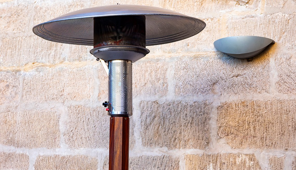 Heat lamp outdoors