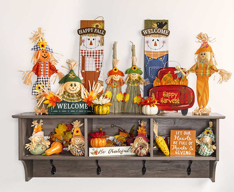 Decorations-Dollar stores offer lots of crafts supplies, such as ribbon, mesh and tulle, to make your own Thanksgiving art.