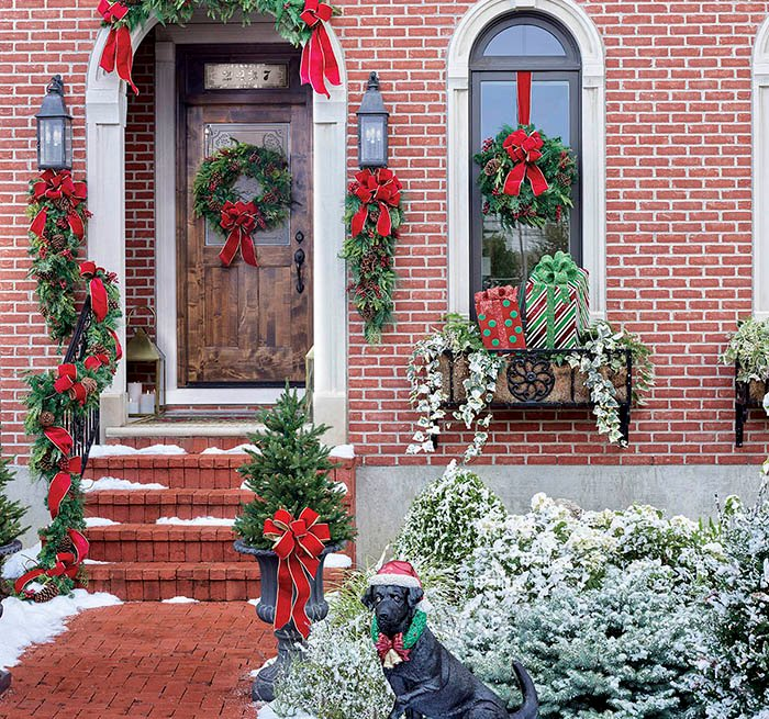 item 4 of Gallery image - Holiday decor for a home