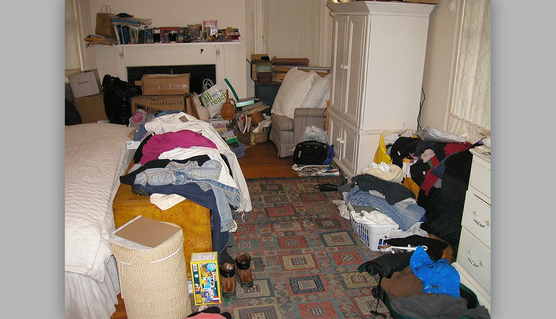 item 3 of Gallery image - a very cluttered bedroom