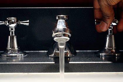 Limpie los gérmenes de su casa: los baños