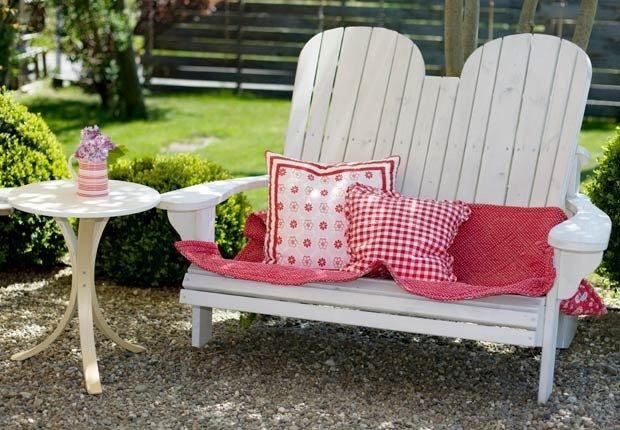 Banca en un jardín - 10 ideas para arreglar su casa