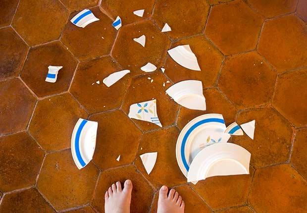 Platos rotos - Arreglos de pequeños accidentes de la casa