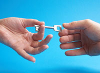 hands trading key