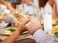 Mantener una buena organización para hacer una fiesta en casa le permitirá disfrutar aún más con su familia.