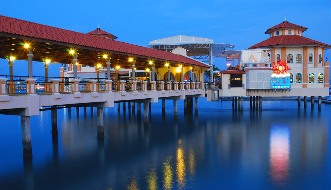 Walkway Over Water In Penang Malaysia, Cheap Places To Retire
