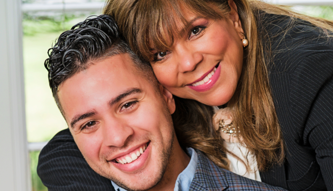 La Dr. Gina Diaz-Miranda junto a su hijo Alexander.