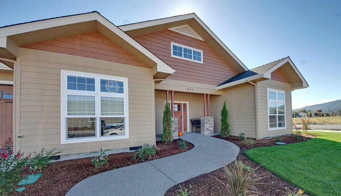 Una casa en Twin Creeks, Oregon, una comunidad orientada para vida con calidad
