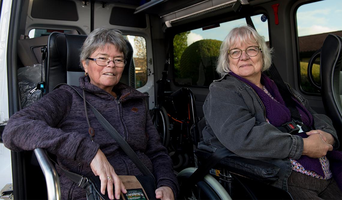 FlexTrafik passengers Suzanne and Gitte